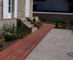 entree-paves_brique-graviers-plantations